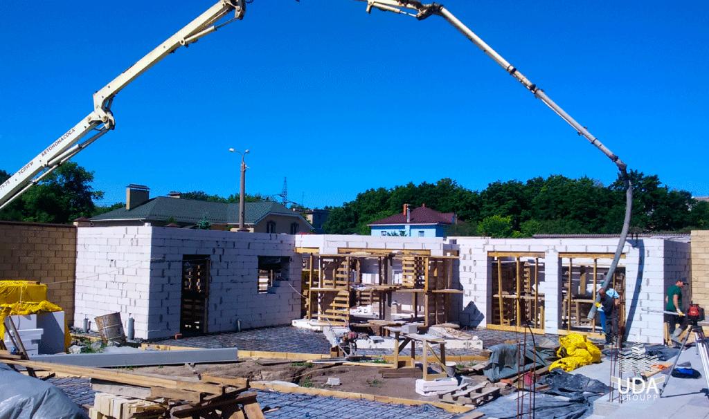 Будівництво будинків «під ключ» - один з головних напрямків діяльності компанії «ЮДА-ГРУПП».